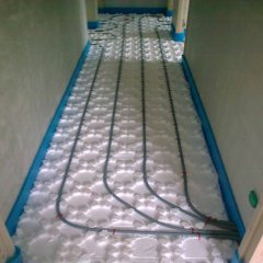 Installation du chauffage au sol dans toute la maison